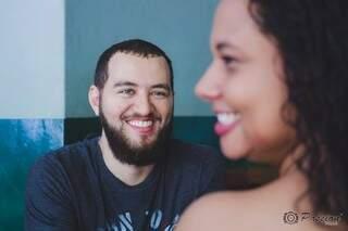 O sorriso dos dois. (Foto: Passion Fotografia)