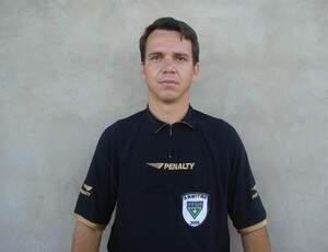 Lupato chegou anunciar que se aposentadoria  em 2013, mas adiou para o ano que vem (Foto: Divulgação/SindárbitrosMS)