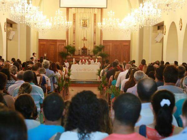 Milhares de fiéis participaram de missas no Santuário do Perpétuo Socorro neste domingo (09). (Fotos: Marcos Ermínio)