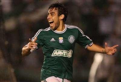 Palmeiras pega o Ceará no Morenão e pode receber taça de campeão