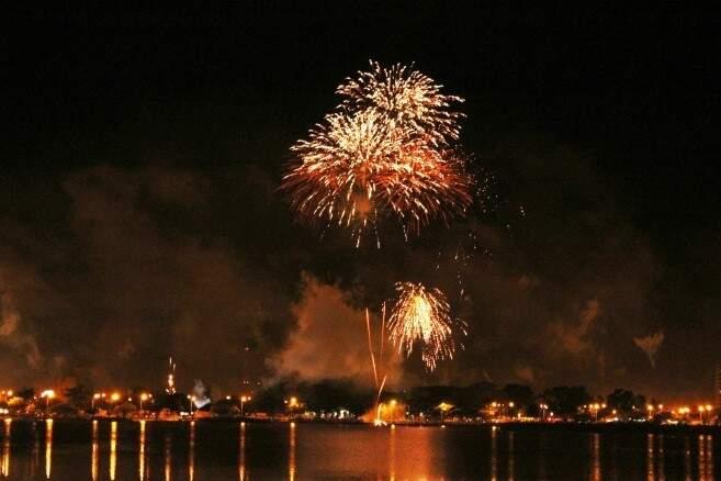 Prefeitura de Três Lagoas cancelou queima de fogos após recomendação do MPE. (Foto: Divulgação)