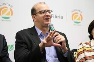 Presidente da Fibria, Marcelo Castelli fala sobre a fábrica de Três Lagoas. (Foto: Fernando Antunes)