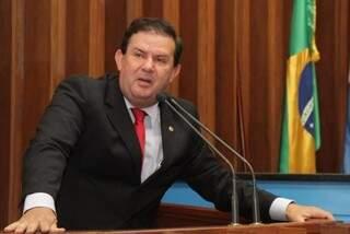 Eduardo Rocha, líder do PMDB, diz que partido vai buscar apoio dos tucanos (Foto: Assessoria/ALMS)
