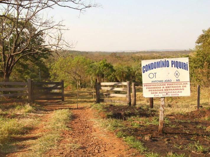 Entrada da Fazenda Piquirí (Foto: Marcos Ermínio)