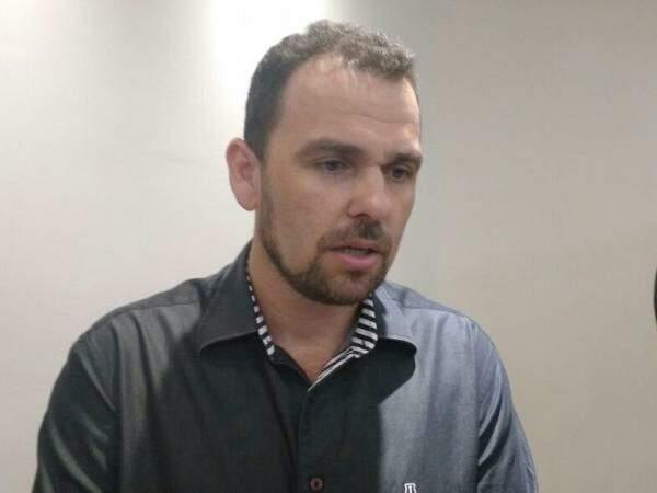 Ainda presidente da Assomasul, Juvenal Neto (PSDB), diz que encaminhará pedido ao governo. (Foto: Richelieu de Carlo)
