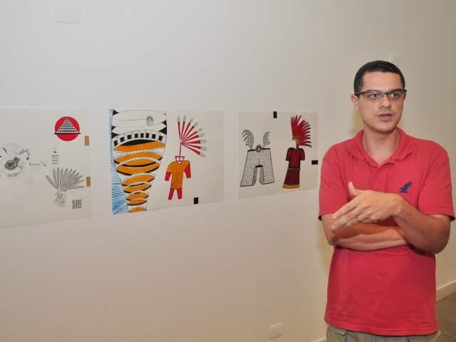 """""""Arte contemporânea não representa. Ela apresenta"""", explica curador da mostra. (Foto: João Garrigó)"""