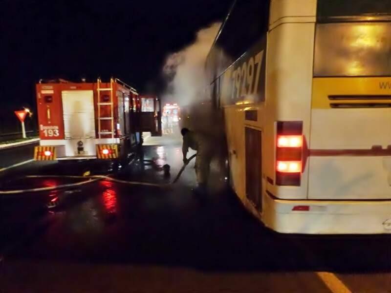 Princípio de incêndio foi na madrugada deste sábado. (Foto: Radio Portal News)