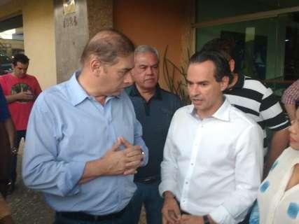 Bernal recebe prefeito eleito no Paço Municipal um dia após eleições