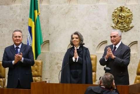 Cármen Lúcia defende transformação do Judiciário ao assumir presidência do STF