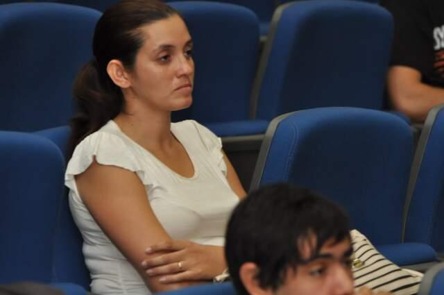 Patrícia acompanha júri do homem que matou o filho dela. (Foto: Marlon Ganassin)