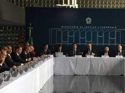 Secretários de segurança se reuniram com ministro Moraes na terça. Agora, governadora falará com Temer (Foto: Ministério da Justiça)