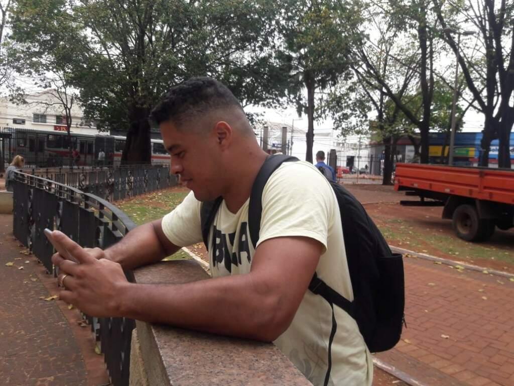 Marcos André afirma que conversa com outras pessoas para checar as informações (Izabela Sanchez)