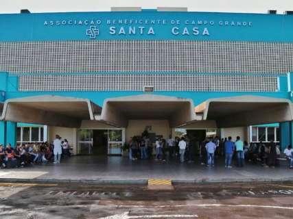 Sem 13º salário, funcionários da Santa Casa dão ultimato em prefeito
