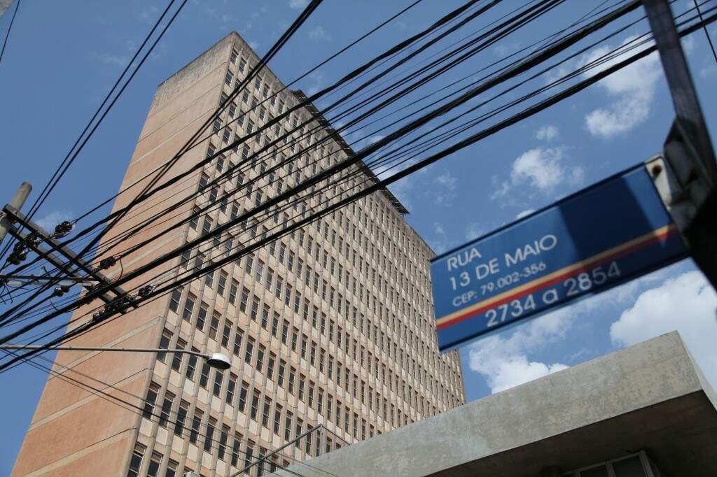 Inaugurado em 1971, o hotel de 83 apartamentos que recebeu grandes times de futebol e artistas famosos, fechou as portas em 2001 (Foto: João Paulo Gonçalves)