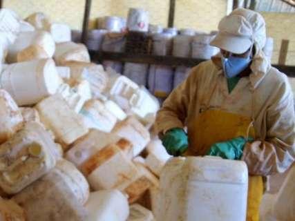 Somente este ano, 80 novos produtos agrotóxicos foram liberados no Estado