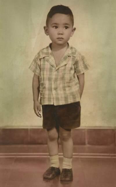 A foto do menino Higa, que deu a idéia sobre a mostra retrô.
