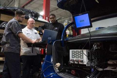 Ford revela nova geração do protótipo Fusion Hybrid autônomo