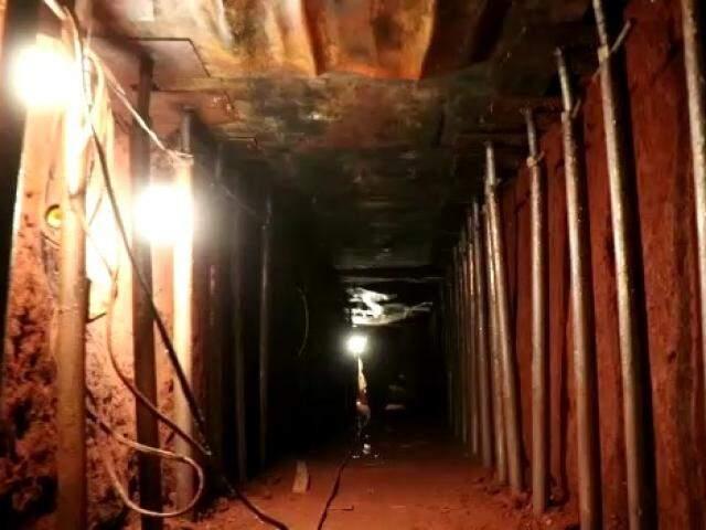 Túnel aberto a partir de imóvel na Rua Minas Gerais, próximo ao banco (Foto/Reprodução)