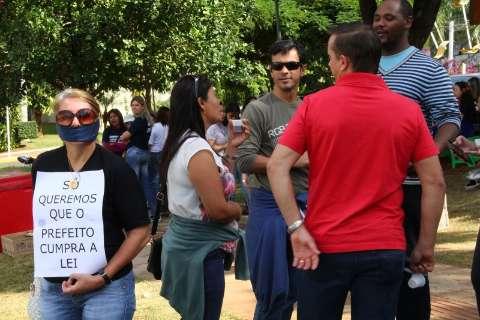 Professores esperam resposta sobre reunião com prefeito marcada para esta terça