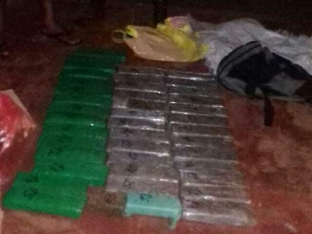 Com o acusado foram encontrados 34 kg de maconha (Foto: Porã News)