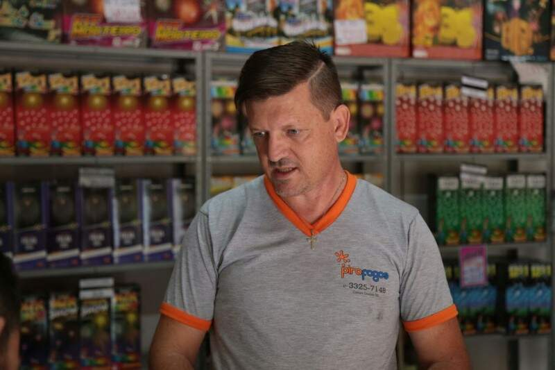 Álvaro vai abrir a loja até mais tarde nesta semana. (Foto: Fernando Antunes)
