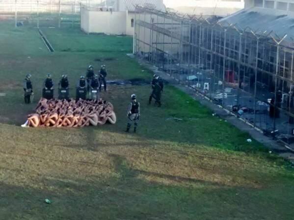 Rebelião ocorrida no mês de agosto, em Naviraí, onde maioria dos presos faz oposição ao PCC. (Foto: Divulgação)