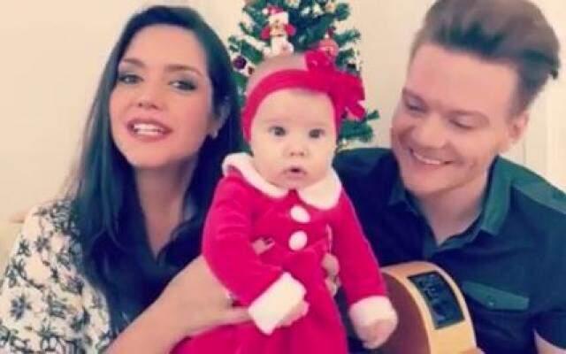 O prêmio de bebê mais fofo do Natal vai para...