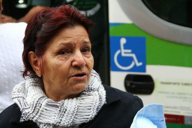 Jany Fernandes Araújo, 73 anos, estava emocionada com a oportunidade de ver o papa de perto