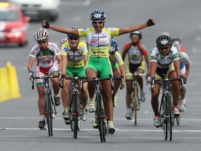 Luciene Ferreira da Silva é a 1ª colocada em Ranking Nacional da Confederação Brasileira de Ciclismo/2011. (Foto: Site Distribuidora Dádiva de ciclopeças)