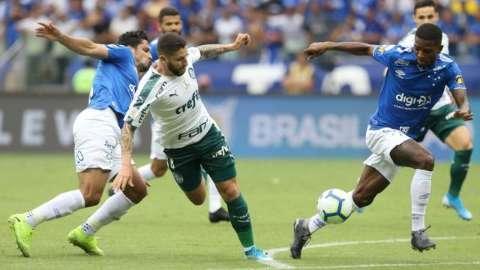 Palmeiras vence por 2 a zero e rebaixa o Cruzeiro para série B do Brasileiro