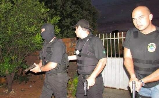 Policiais cumprem mandados de prisão. Foto: Divulgação PC