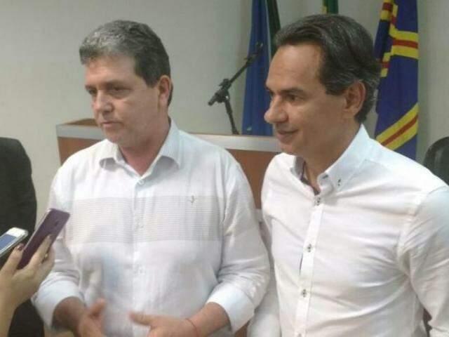 Presidente da Câmara Municipal, João Rocha (PSDB) e prefeito eleito Marquinhos Trad (PSD) viabilizam sonhada harmonia entre Legislativo e Executivo. (Foto: Alberto Dias)