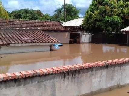 Chuvas não param e 49 famílias nem tem previsão de voltar para casa