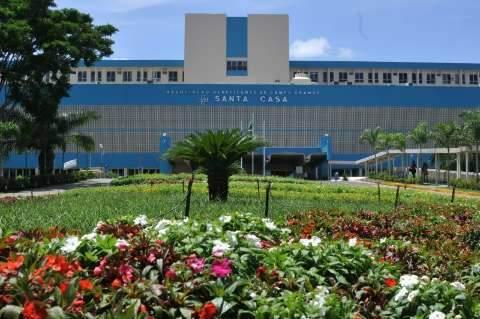Médicos elogiados no consultório são envolvidos em suspeitas de crimes