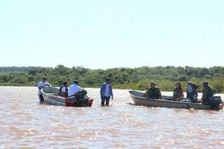 Assoreamento é a maior preocupação da PMA no rio Pardo e isso acontece devido ao fato de produtores rurais da região, desmatarem as matas ciliares. (Foto: Fernando Antunes)