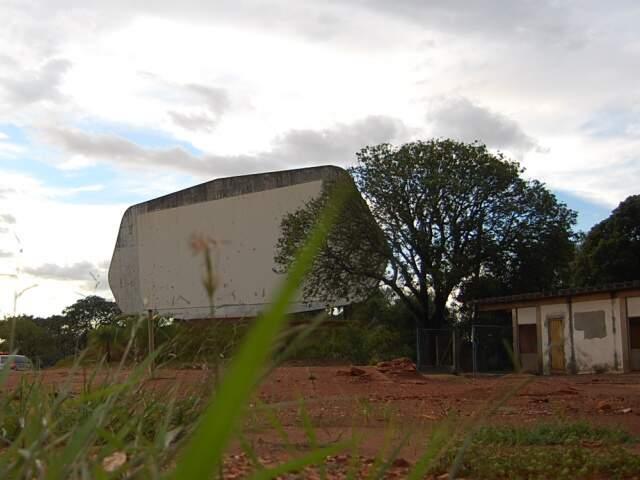 Hoje área está abandonada. (Foto: Marlon Ganassin)