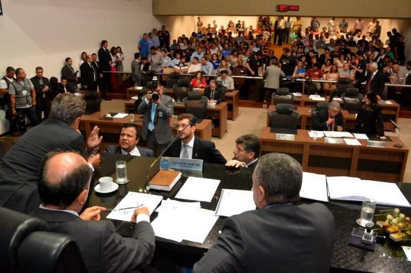 Deputados deixaram o projeto do orçamento para  última semana, antes do recesso (Foto: Assessoria/ALMS)