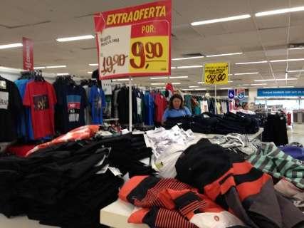 Supermercados iniciam promoções com descontos de até 50% em itens