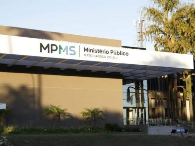 Fachada do Ministério Público de Mato Grosso do Sul, no Parque dos Poderes. (Foto: Kisie Ainoã)