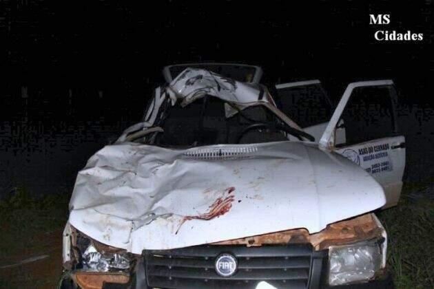 Veículo ficou totalmente destruído após acidente (Wilson Amaral/MS Cidades)