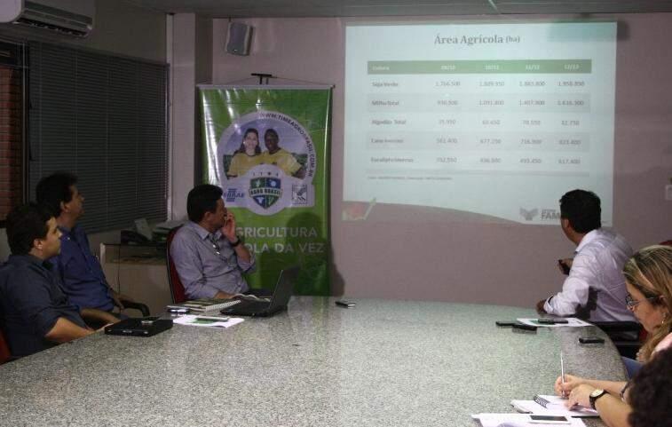 O presidente da Famasul apresentou balanço anual agropecuário 2013 (Foto: Marcos Ermínio)