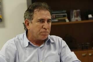 Giroto explicou que obra teve paralisação devido mudanças em ministério (Foto: Kleber Gellio)