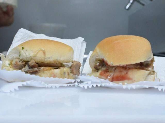 Os sanduíches foram servidos para degustação. (Foto: Vanessa Tamires)