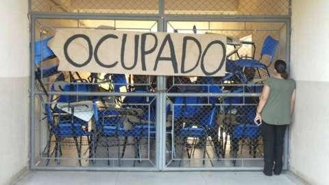 Após 10 dias, alunos acatam ordem judicial e encerram invasão na UFMS