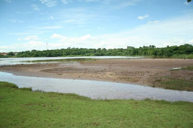 Sem providências imediatas, em 2042 Lago do Amor pode estar completamente seco (Foto: Marcos Ermínio)