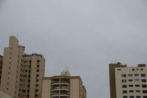 Segunda-feira amanhece com céu nublado e previsão é de chuva em MS