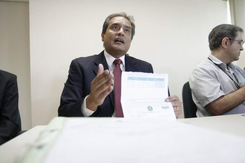 Juiz Luiz Cavassa anunciou ontem novos eleitos e hoje cancelou diplomação (Foto: Cleber Gellio)