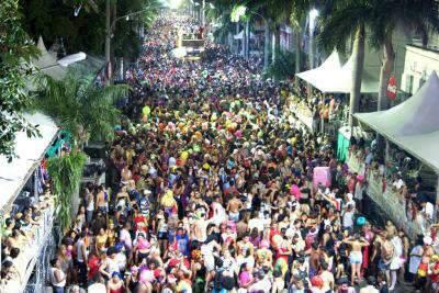 Folia para todos os gostos no sábado de Carnaval em Corumbá