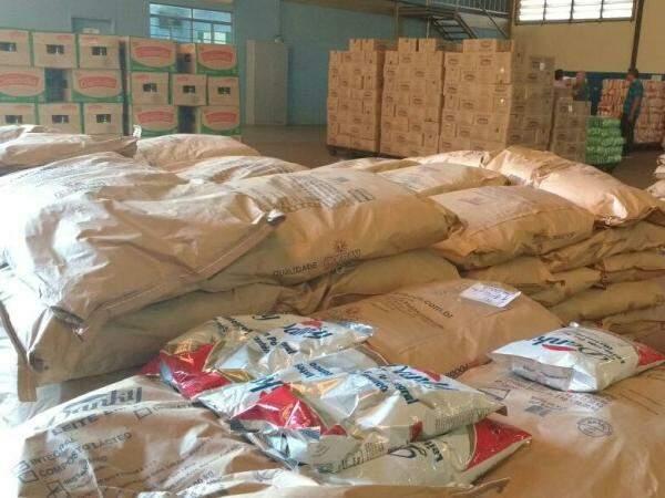 Alimentos estocados em depósito na Vila Sobrinho. (Foto: Pedro Peralta)