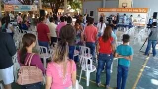 Ausência dos vereadores irritou comunidade presente (Foto - Divulgação / Assessoria Eduardo Romero)